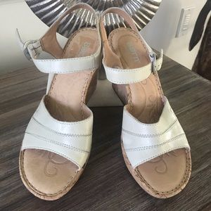 Sz 8 Born hand crafted leather wedges cream EUC